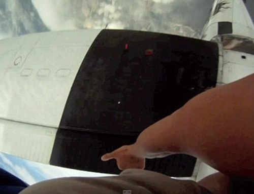 Plane Almost Cuts Skydivers in Half